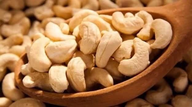 Health advantages of cashew nuts for men